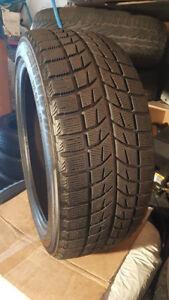 4 Pneu d'hiver Bridgestone  225 45R 18 bon etat comme neuf