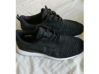Nike Rosherrun Trainers - excellent condition