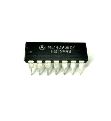 (5x) Motorola MC14093BCP - Quad 2-Input Nand Gate - 14−Lead DIP CMOS IC,  NOS