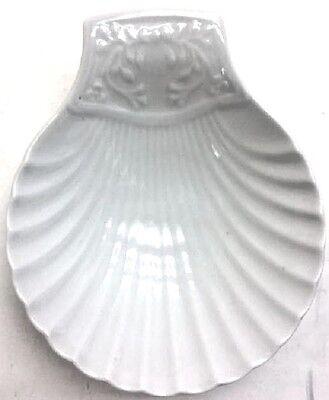 LIMOGES FRANCE Porcelain Clam Shell Vanity/Trinket Dish w/Sroll Details ()