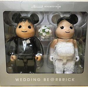 Medicom-Plus-Be-rbrick-2016-Exhibition-400-Wedding-Couple-Bearbrick-Set-2pcs