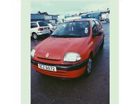 Renult Clio 6 months MOT ! Good driving car