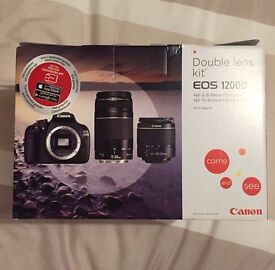 MINT Canon EOS 1200d Double Lens Kit 2 x 32GB SD Card & Canon Camera Bag (Unwanted Christmas Gift)