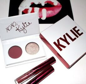 Kylie Jenner mini kits