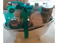 Neuroli & Jasmine Winter in Venice Gift Set in Silver Bath Ideal Valentines Gift
