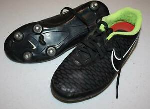 KIDS SOCCER - FOOTBALL BOOTS NIKE SHOES SIZE 5.5 US Morphett Vale Morphett Vale Area Preview