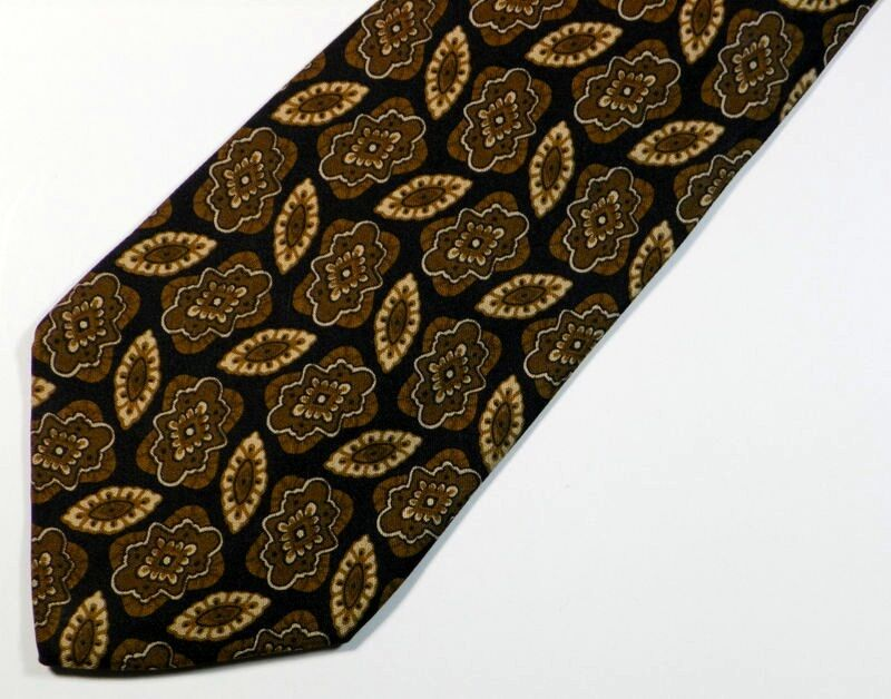"Black ""UMBERTO SCOLARI"" SILK Medallion TIE, MADE IN ITALY. 3.75"" Wide 58"" Long"