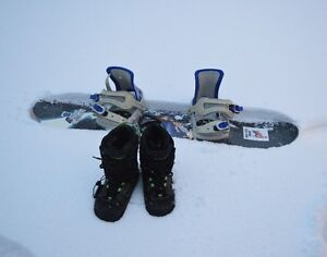 Snowboard et Botte pour Enfant