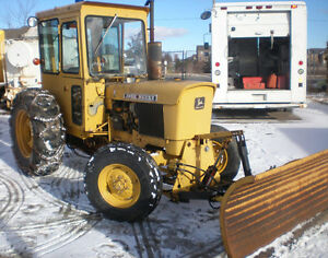 80 JOHN DEERE Heavy Duty Tractor with Snowplow
