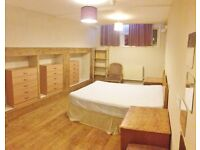We are happy to offer this 2 bed apartment in Caledonian Rd, Kings Cross, N1