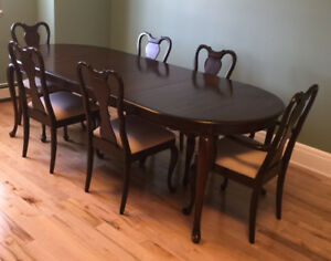 Gibbard Canadian Legacy Mahogany Oval Dining Table Six 6 Chairs
