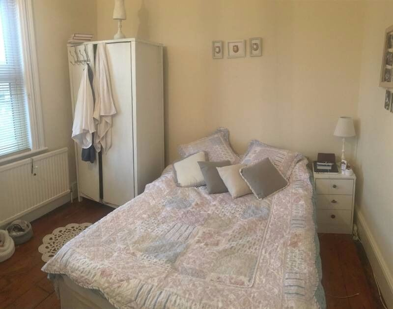 Spacious bright double room available asap
