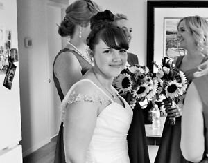 Need to book a wedding photographer ASAP? Kitchener / Waterloo Kitchener Area image 1