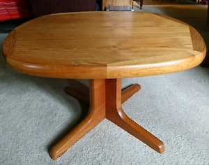 Mid century modern teak side table/end table/coffee table