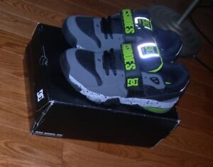 Neuf DC Shoes soulier size 13