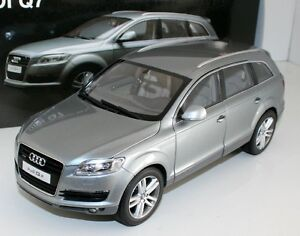 1/18 DIECAST KYOSHO AUDI Q7 GREY NEW IN BOX
