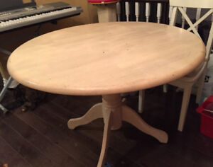 Wood round dining / kitchen table