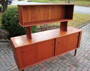 mId century modern buffet and hutch, Teak buffet and hutch London Ontario image 2