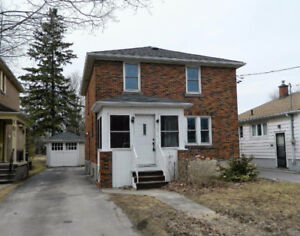 Great 5 Bedroom Home for Students-Close to Queen's