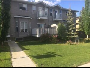 Townhouse, just one bus ride to the U Of A or Nait