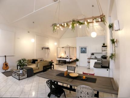 Freelance Interior Stylist / Designer At Your Service!