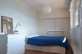 AMAZING SINGLE ROOM WITH PRIVATE PARKING