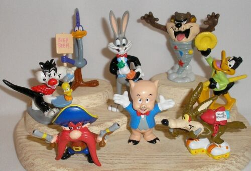 COMPLETE SET (8) 1990 SHELL PROMO - LOONEY TUNES COLLECTOR FIGURINES