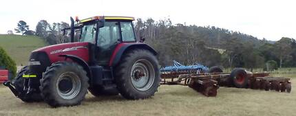 Case MXM 190 tractor, discs, rotary hoe-bedfomer, mulcher.
