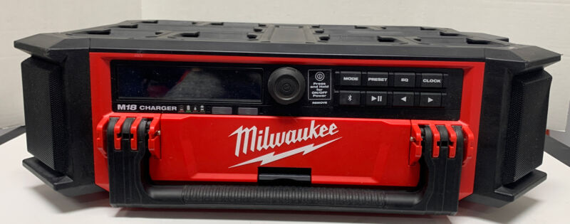 Pre Owned - Milwaukee 2950-20 M18 PACKOUT Bluetooth Radio Speaker, Gr- Read Desc