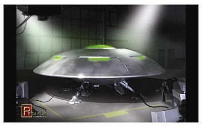 PEGASUS Area 51 UFO Martian Alien Flying Saucer Space Ship 1/72 scale model kit (Spaceships Models)