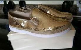 NEW gold glitter shoes size 5