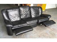 Natuzzi Black leather RECLINER sofa WE DELIVER UK WIDE