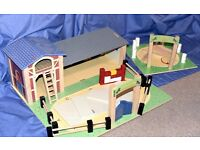 Wooden Appleyard Riding School Stables and Dressage Ring by Le Toy Van Childrens Toy