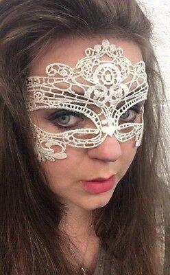 Umwerfend Weiß Halbschuhe Maskenball-Maske Auge Halloween Party Spitze Kostüm UK