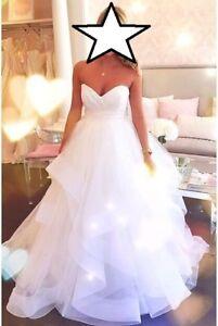 Stunning Hayley Paige 'Londyn' Wedding Dress