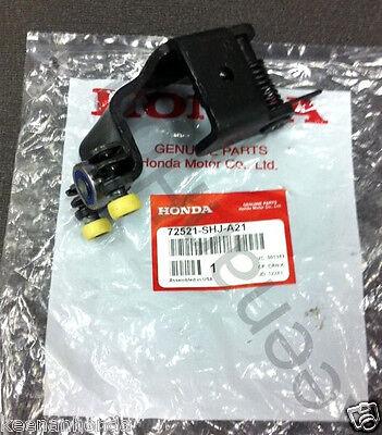 Genuine OEM Honda Odyssey Right Power Sliding Door Center Roller 2005 2010