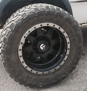 20 x 10 fuel trophy rims with 37 inch toyo tires.