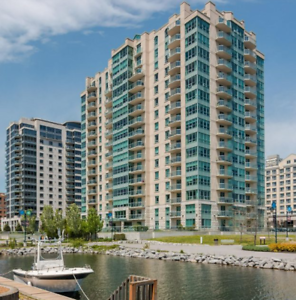 Luxurious 2 bed+den in heart of city, on the water!-106-5 Gore