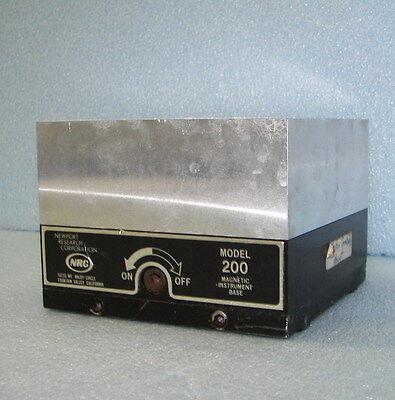 Newport 200 Magnetic Base Mirror Mount Optics Nrc