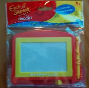 ETCH A SKETCH DOODLE DRAW SLIDE AND ERASE MINI