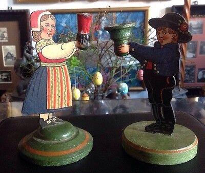 Volkskunst Kerzenständer Mädel / Bub in Trachten , bemaltes Holz, alt