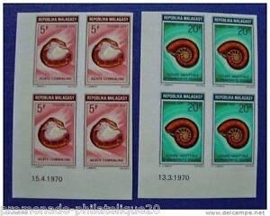 MADAGASCAR-timbre-stamp-Yvert-et-Tellier-n-472-et-473-non-denteles-Bloc-de-4-n