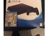 PlayStation 4 14 games and 2 pads 1 terabyte memory