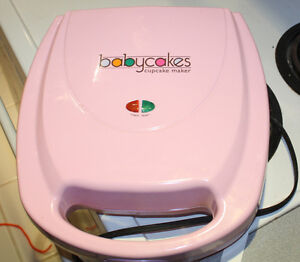 Baby Cakes Cupcake Maker gently used