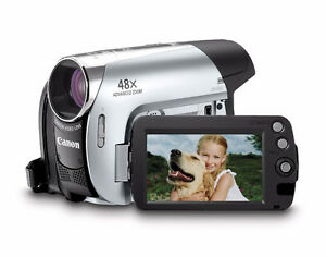 Canon ZR930 MiniDV Camcorder with 37x Optical Zoom