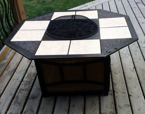 5 Pc Large Propane Fire Table & Deluxe Swivel Chairs -St. Thomas London Ontario image 1