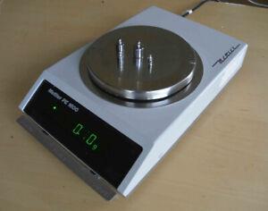 Mettler PE1600 analytical balance scale.  Lab, biology