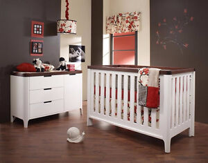 Natart Crib to Twin 4-in-1, Dresser/Change Table and Accessories