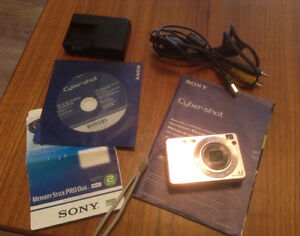 SONY CYBERSHOT 7.2MP 4X