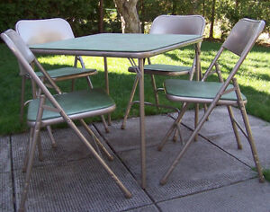 Samsonite Card Table and 4 Chairs